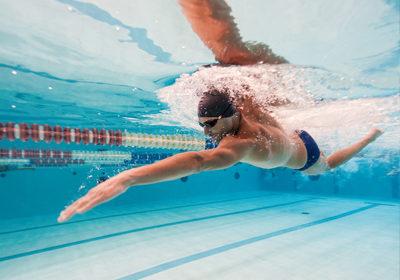 ¿Cuál es la mejor hora para nadar?